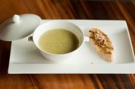 http://www.lafermedelasource.fr/212-thickbox_atch/veloute-de-courgettes-a-l-abondance.jpg