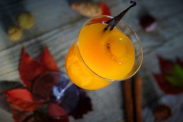 https://www.lafermedelasource.fr/278-thickbox_atch/liqueur-d-abricot-20-cl.jpg